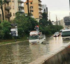 """بعد """"غرق"""" الطرقات.. هذا ما أوضحته وزارة الأشغال"""
